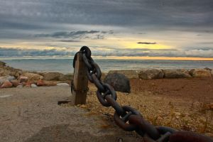 Chains in Georgian Bay, Canada.jpg