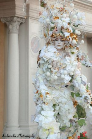 flower model in venetian las vegas.jpg